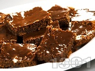 Рецепта Шоколадов сладкиш с глазура